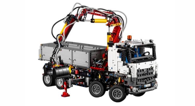 Migliori set Lego Technic:Mercedes-Benz Arocs 3245 di LEGO Technic