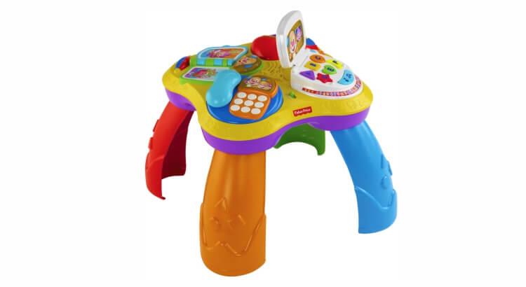 Migliori giochi interattivi per bambini di 2 anni: Il Tavolino del Cagnolino di Fisher-Price