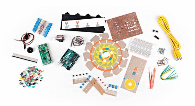 Giocattoli educativi di coding e programmazione: Arduino Starter Kit di Arduino